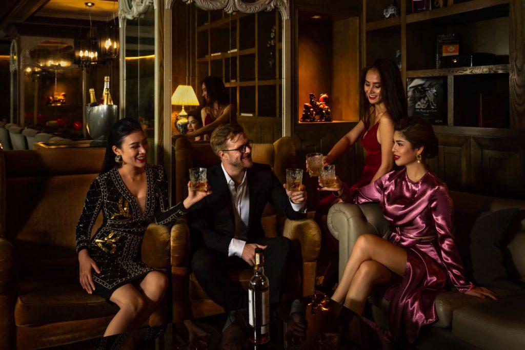 Sofitel Luxury Hotel resort lifestyle Asia 86