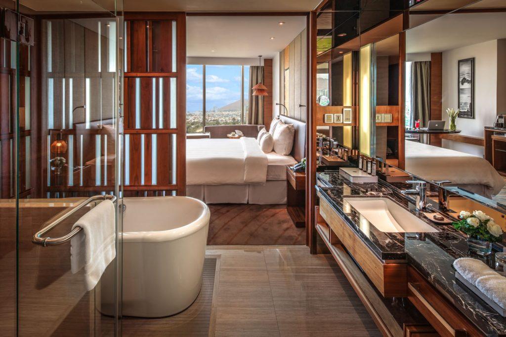 Luxury Pullman Hotel Resort Asia 96